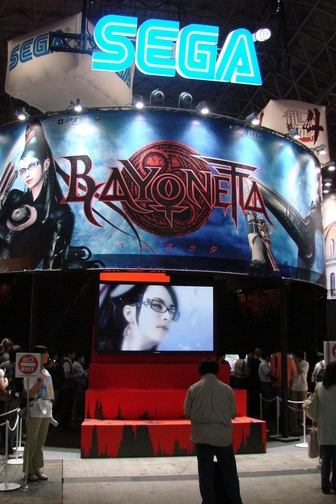 Estande da SEGA e o destaque só podia ser Bayonetta!
